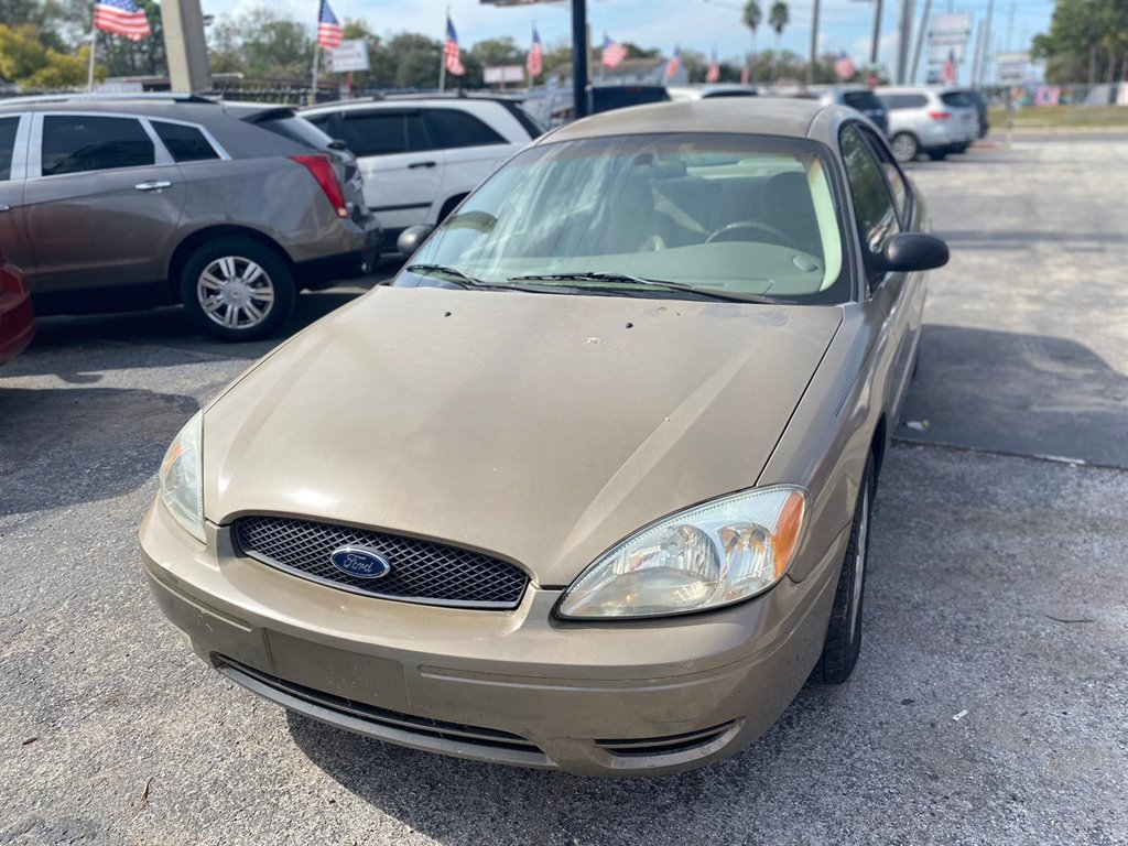 2007 Ford Taurus SE photo
