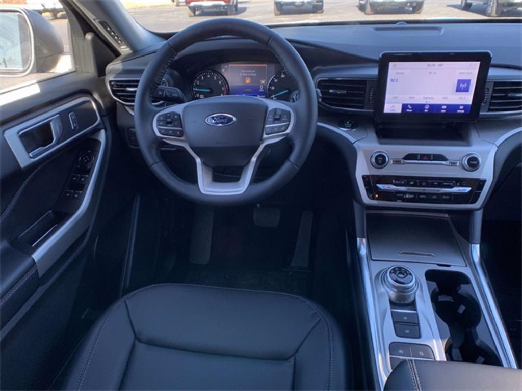 2021 Ford Explorer XLT photo