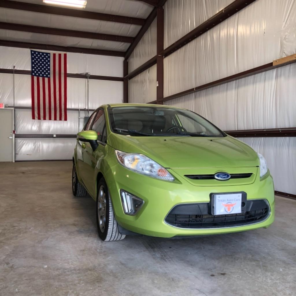 2011 Ford Fiesta SES photo