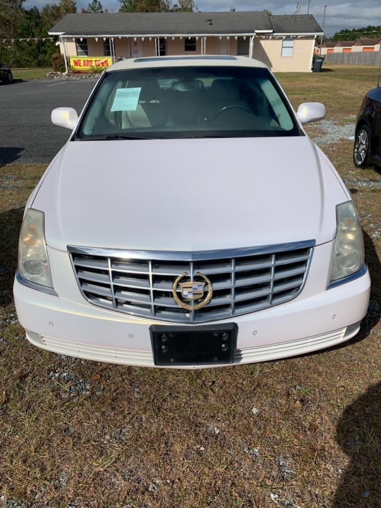 2007 Cadillac DTS photo