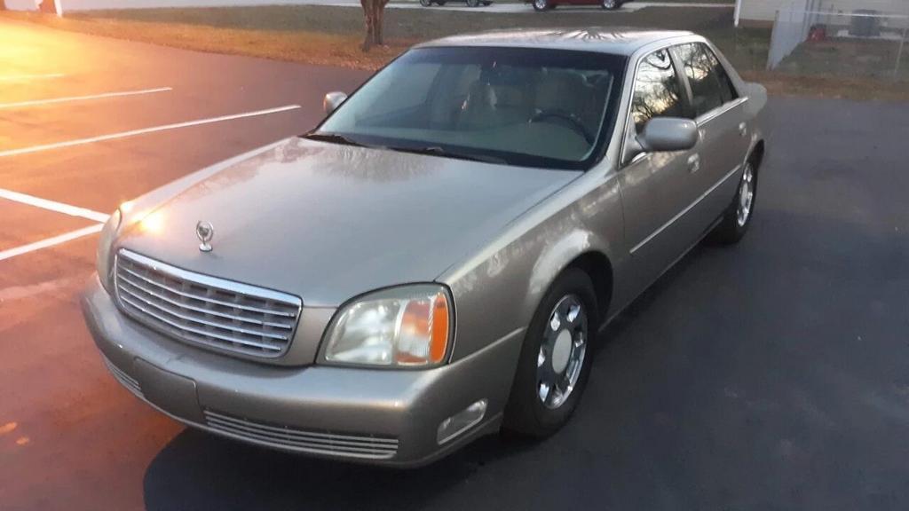 2002 Cadillac DeVille photo
