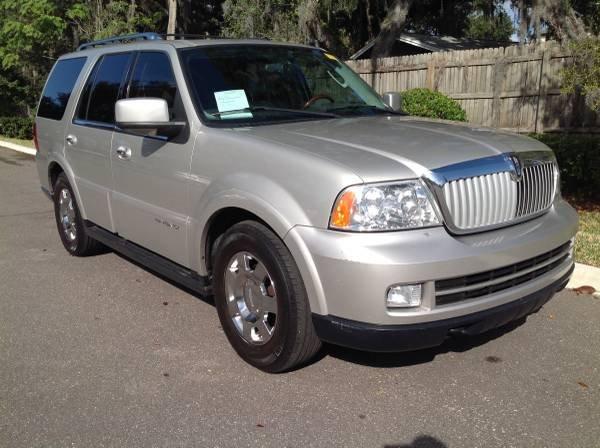2005 Lincoln Navigator Luxury photo