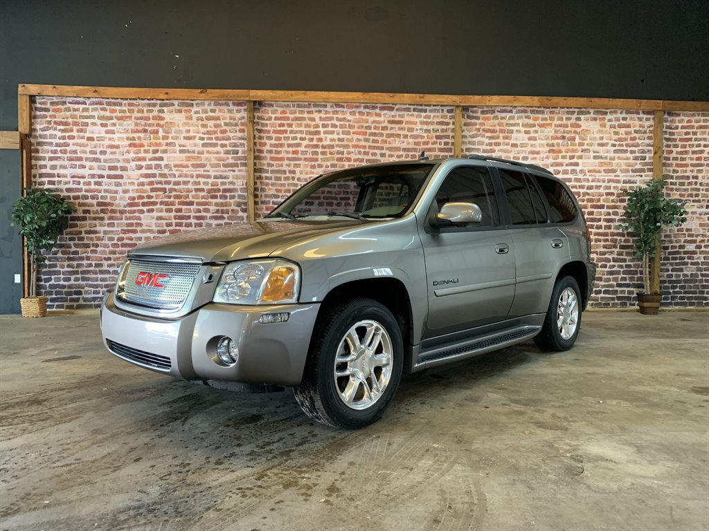 2007 GMC Envoy Denali photo