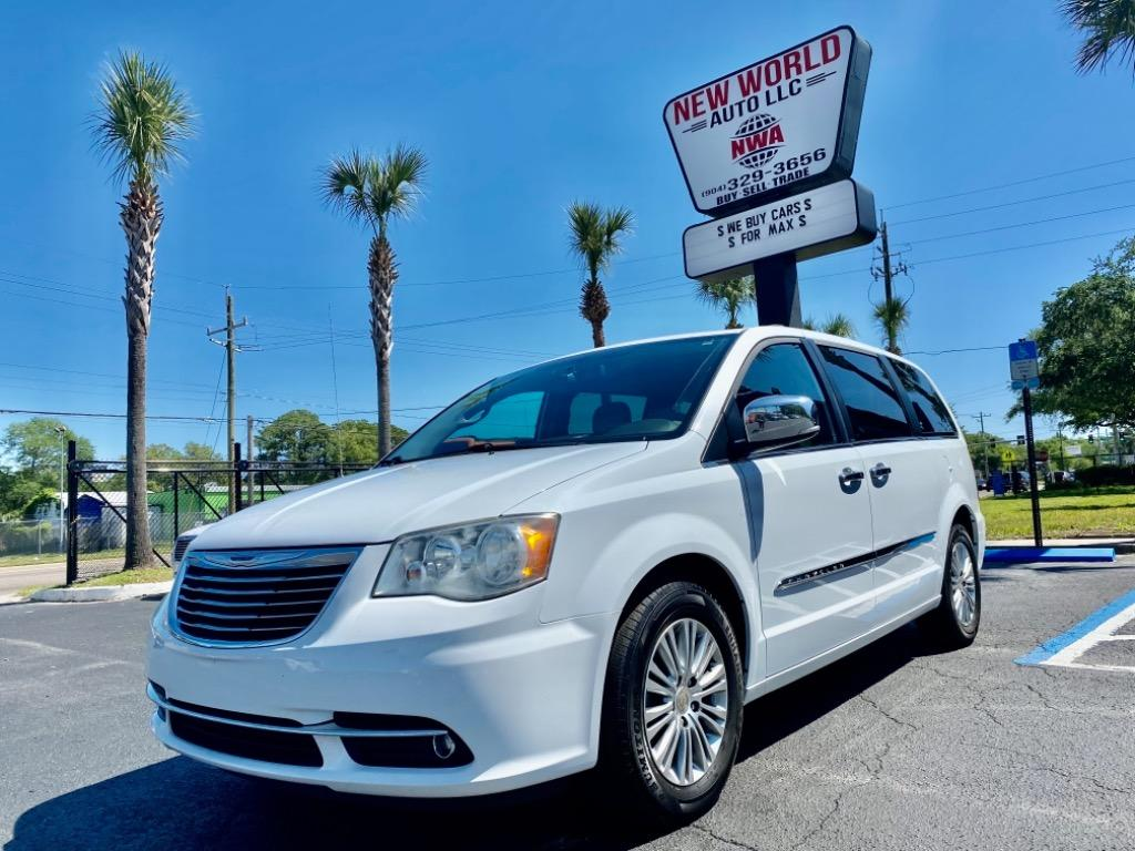 2014 Chrysler Town & Country Touring-L photo
