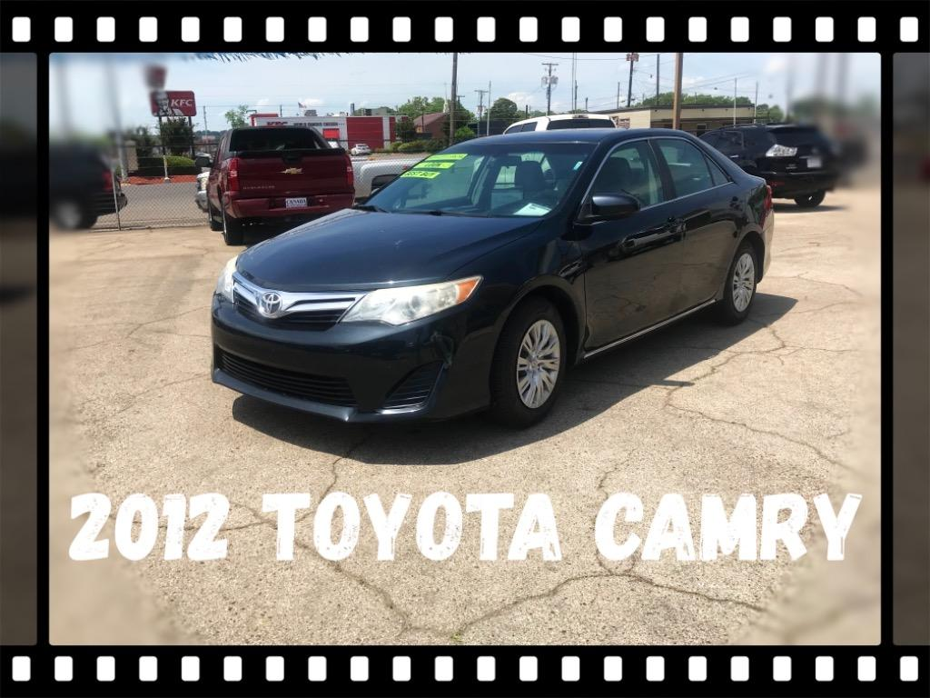 The 2012 Toyota Camry L photos